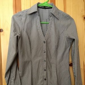 Express essential stretch blouse size XS